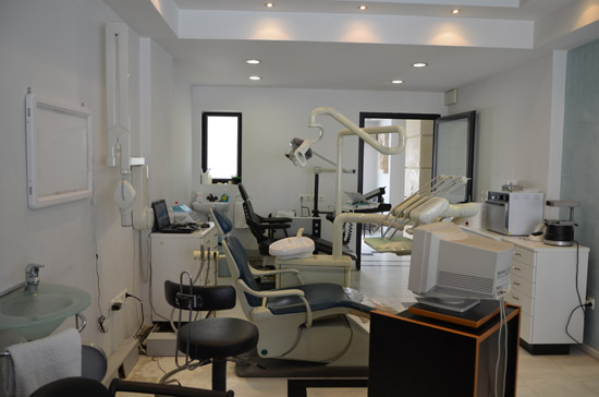 Dental Genesis ΟΔΟΝΤΙΑΤΡΙΚΗ ΜΟΝΑΔΑ ΑΘΗΝΩΝ - Κ. Κακαλέτρης Οδοντίατρος, Κλασσική Οδοντιατρική, Εμφυτευματολογία, Αισθητική Οδοντιατρική, Ορθοδοντική, Προσθετολογία